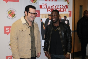 Josh Gad and Kevin Hart greet the press photographers. November 1, 2014. (Lauryn Froneberger/ Pulsefeedz)