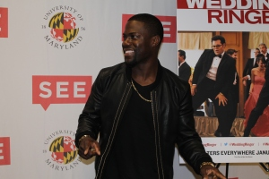 Kevin Hart prepares for interviews with the press. November 1, 2014. (Lauryn Froneberger/Pulsefeedz)