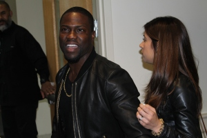 """Kevin Hart exits and prepares for the pre-screening of """"The Wedding Ringer"""" November 1,2014. (Lauryn Froneberger/ Pulsefeedz)"""