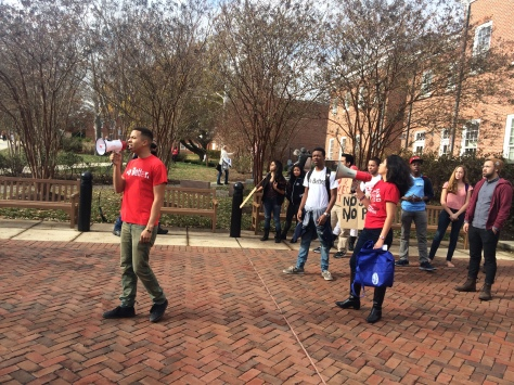Protest leader Julian Ivey invites students to join the protest. November 24,2014. (Lauryn Froneberger/ Pulsefeedz)
